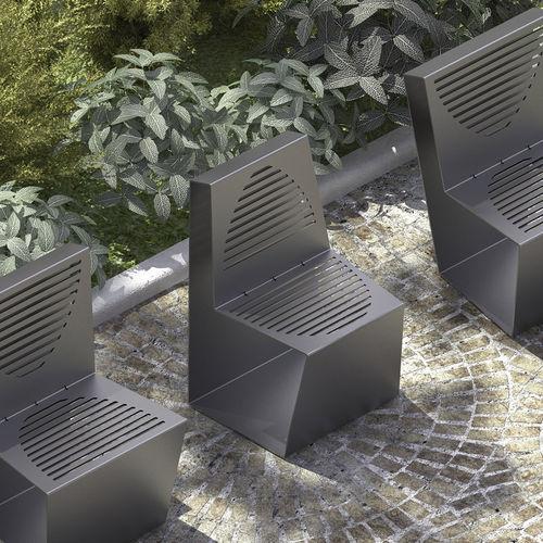 moderner Stuhl / Holz / verzinkter Stahl / Außenbereich