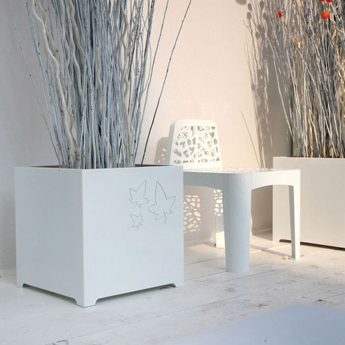 moderner Stuhl / verzinkter Stahl / COR-TEN®-Stahl / Außenbereich