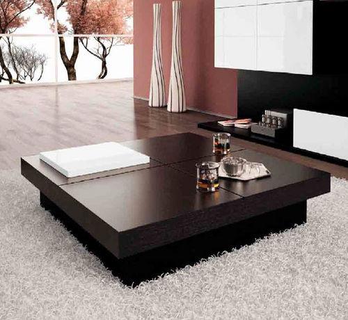 moderner Couchtisch / Holz / Innenraum