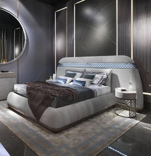 Doppelbett / klassisch / Polster / Kopfteil