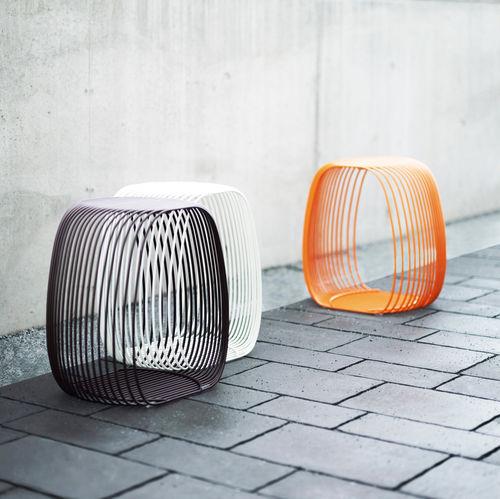 Hocker / originelles Design / Metalldraht / stapelbar / Außenbereich