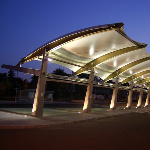 Metallrahmen-Flächentragwerk / Vordach / für öffentliche Bereiche