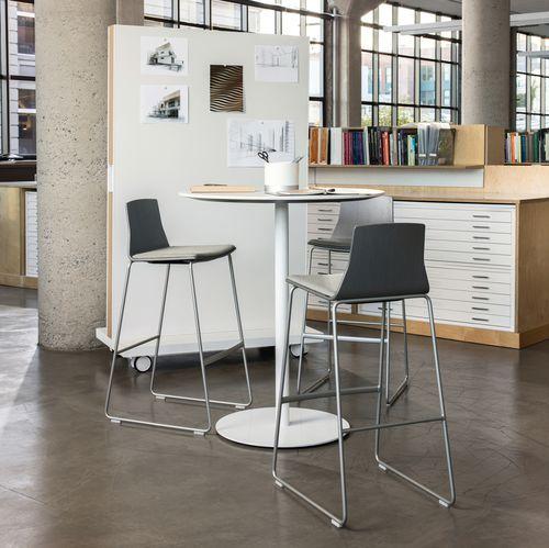 moderner Stehtisch / Holzfurnier / Melamin / mit Fußgestell aus gestrichenem Metall