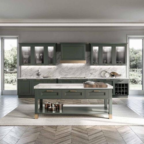 klassische Küche / aus Nussbaum / Marmor / Kochinsel