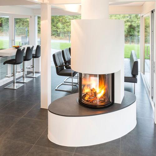 Geschlossene Feuerstelle / Holz / Zentral / Metall