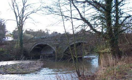 bogenförmige Brücke
