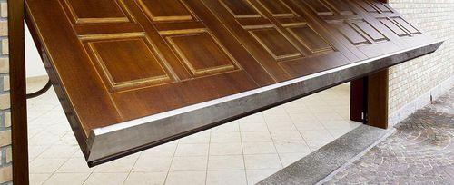 Kipptor für Garagen / Holz / automatisch