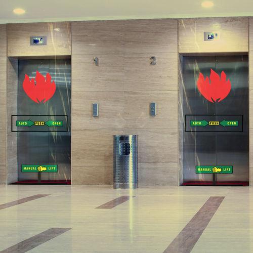 Rauchschutzvorhang für Aufzug