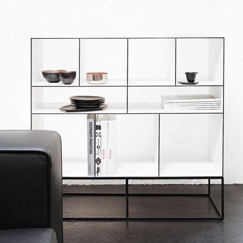 modernes Regal / Stahl / aus Acryl / Objektmöbel