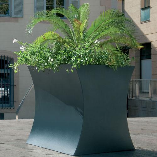 Edelstahl-Pflanzkübel / COR-TEN®-Stahl / modern / für öffentliche Bereiche