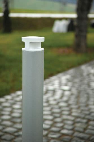klassischer Leuchtpoller / Aluminium / LED