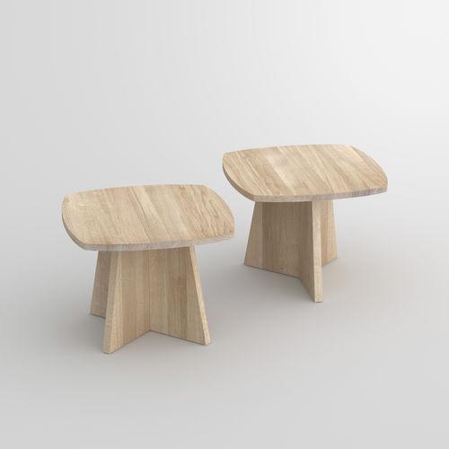 Couchtisch / originelles Design / aus Eiche / aus Nussbaum / Massivholz