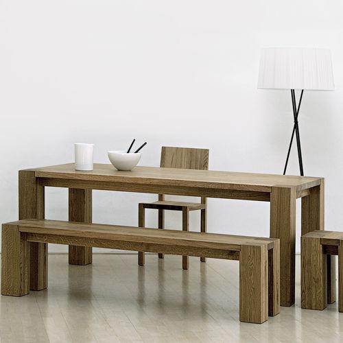 Tisch / skandinavischer Stil / aus Eiche / Massivholz / aus Nussbaum
