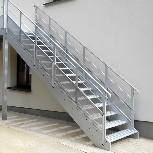 gerade Treppe / Metall / gerade Stufen Metall / mit Setzstufe