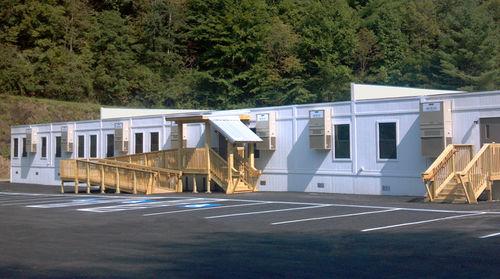 öffentliche Containeranlage / für Schulen / Modulare