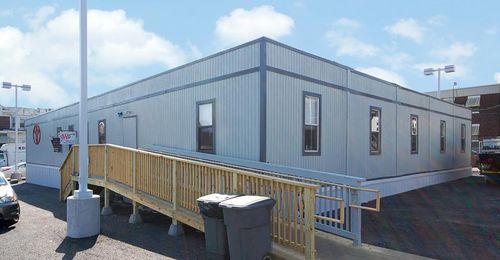 Containeranlage für gewerbliche Nutzung / für Büro / Modulare