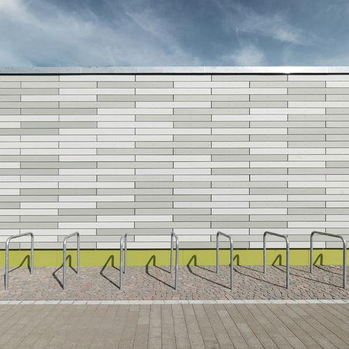 Fassadenverkleidung aus Lamellen / aus Glasfaserbeton / Beton / matt