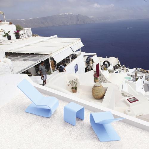minimalistischer Sessel / Beton / mit Überhang / Außenbereich