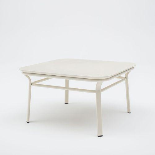 moderner Couchtisch / lackiertes Holz / aus MDF / aus Esche