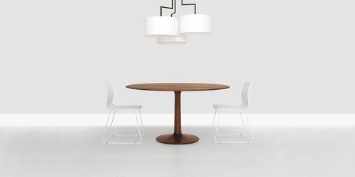 Moderner Tisch TURNTABLE ZEITRAUM Massivholz rund