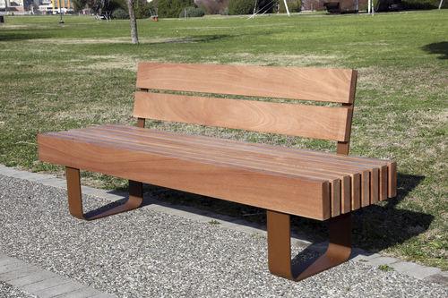 Parkbank / klassisch / Holz / mit Rückenlehne