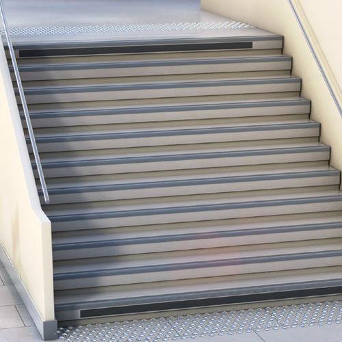 Klebeband für Treppenhäuser