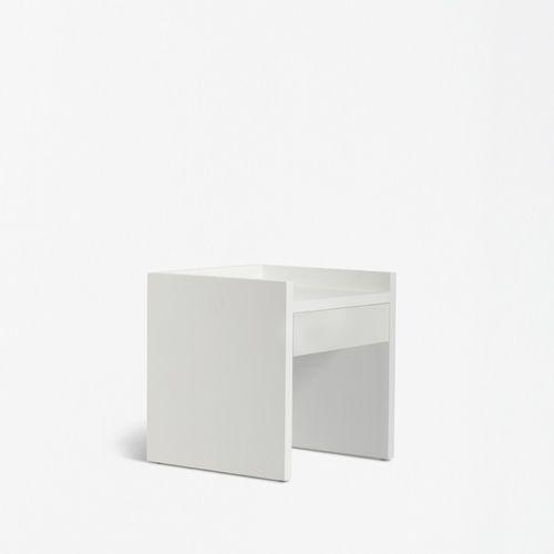moderner Nachttisch / lackiertes Holz / rechteckig / mit Schublade