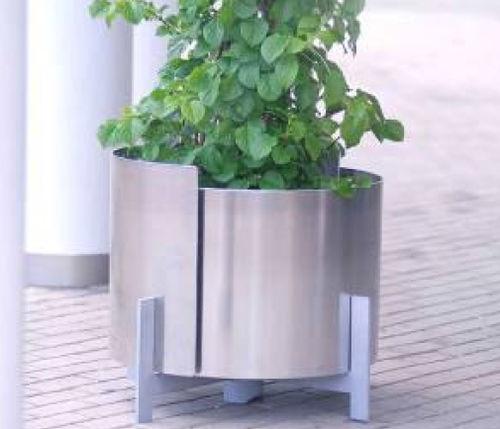 Stahl-Pflanzkübel / Edelstahl / Aluminium / Polyester