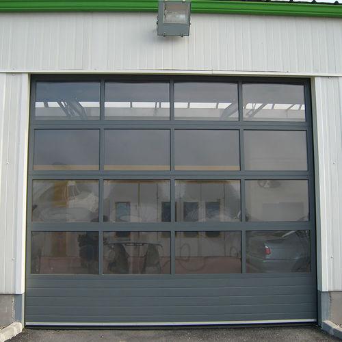 sektionales Industrietor / Metall / automatisch / für Hangar