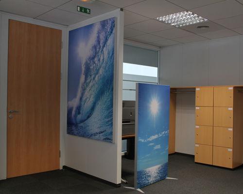 bodenstehende Bürotrennwand