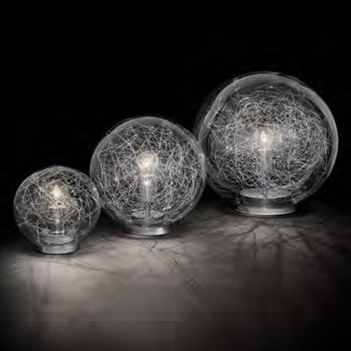 Tischlampe / modern / verchromtes Metall / geblasenes Glas