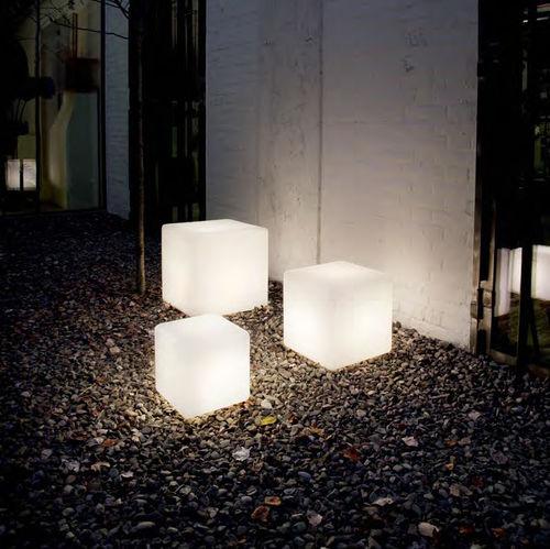 Bodenlampe / modern / Kunststoff / Garten