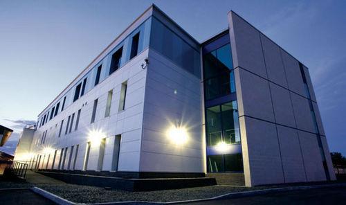 Modulgebäude / Fertigbau / Stahl / für Büro