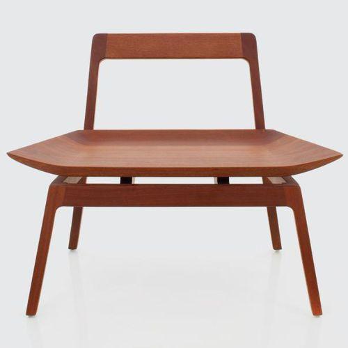 moderner Kaminsessel / Holz