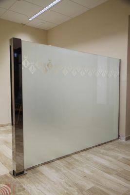 Edelstahl-Raumteiler / Glas / Objektmöbel / selbsttragend