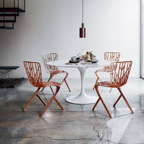 Stuhl / originelles Design / Aluminiumguss / Außenbereich / schwarz
