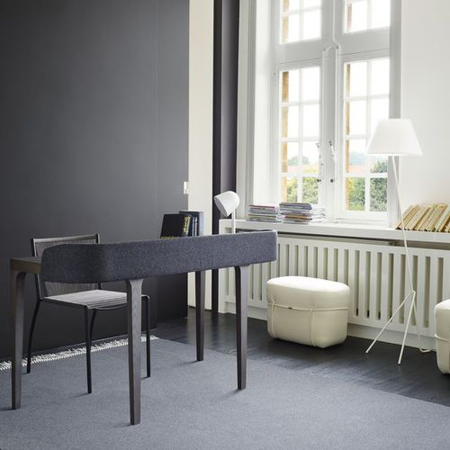 Schreibtisch aus Eiche / aus Esche / modern / integrierter Stauraum