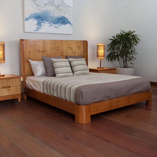 Doppelbett / modern / Kopfteil / Holz