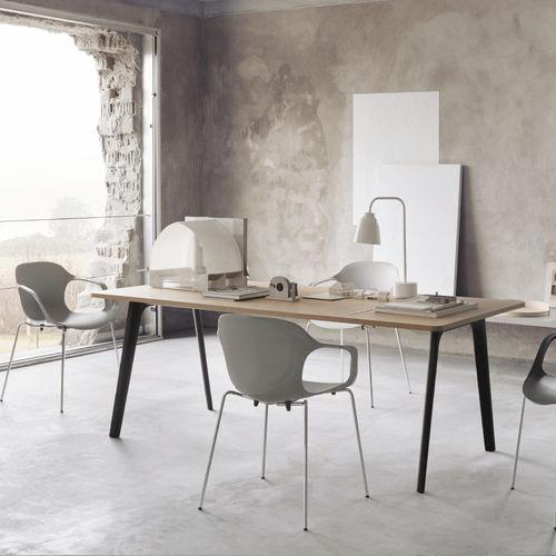 moderner Tisch / Laminat / mit Fußgestell aus Aluminium / mit Fußgestell aus verchromtem Stahl