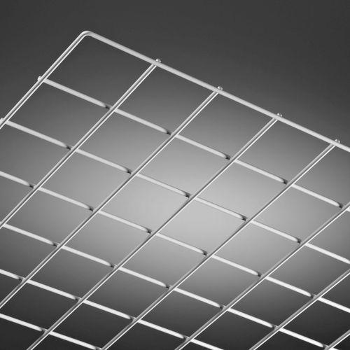 Abgehängte Decke / Metall / in Plattenform / Akustik / vergittert
