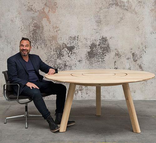 moderner Picknicktisch / Massivholz / mit Fußgestell aus Holz / rechteckig