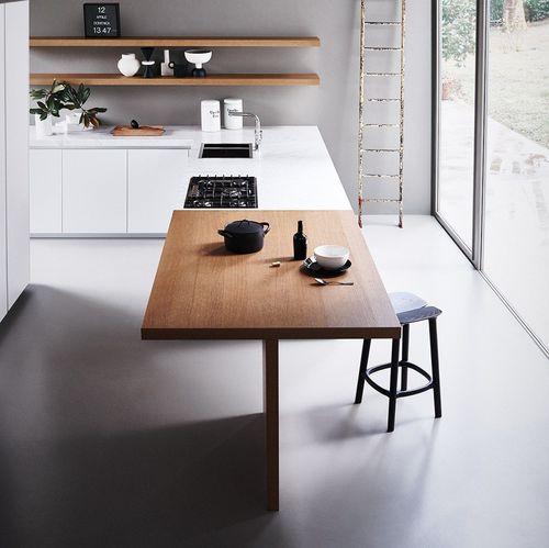 moderne Küche / Aluminium / Holz / Glas