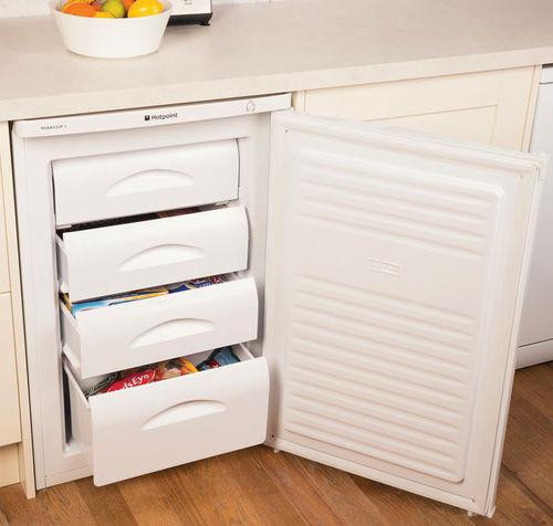 Unterbau-Gefrierschrank / weiß / energiesparend