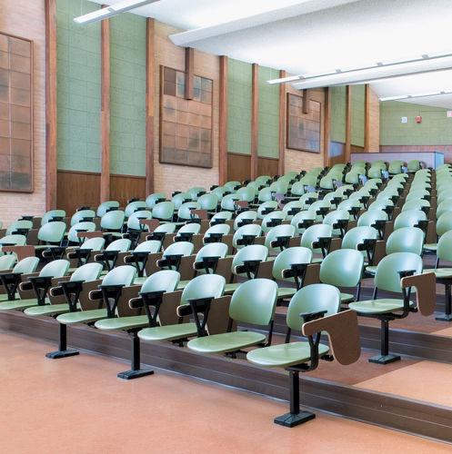 moderner Auditoriumsessel