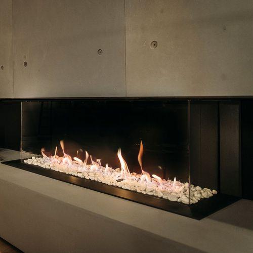 Geschlossene Feuerstelle / Gas / 3 Sichtseiten / Stahl