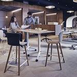moderner Barhocker / Kunststoff / für Büro / mit Fußstütze