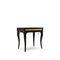 klassischer Nachttisch / lackiertes Holz / Metall / Stoff