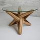 Couchtisch / originelles Design / Hartglas / mit Fußgestell aus Massivholz / Mit Fußgestell aus Bambus