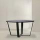 moderner Tisch / Metall / mit Fußgestell aus gestrichenem Metall / rund