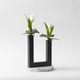 moderne Vase / gestrichenes Metall / aus Terrazzo